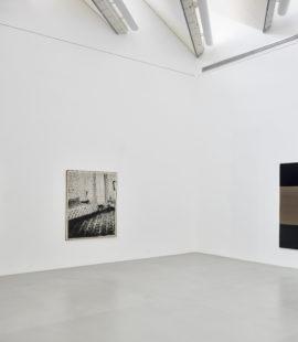 (links) Sigmar Polke, BZ am Mittag, 1965; Sigmar Polke, Schlafzimmer, 1965; (rechts) Blinky Palermo, untitled, 1970/71. Fotos: Achim Kukulies