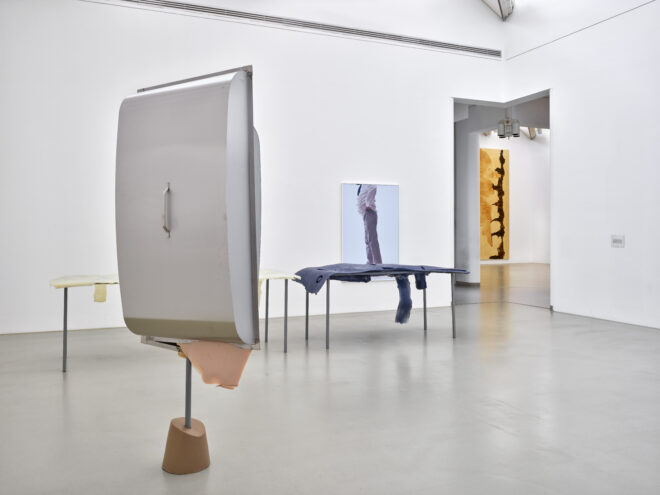 Nairy Baghramian, Formage de Tête, 2011. Acquired in 2014 with funding from the State of North Rhine-Westphalia and the Hans Fries Foundation. Photo: Achim Kukulies