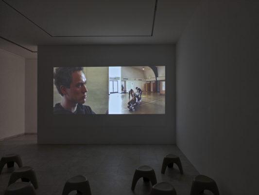 Nonviolent Civil Disobedience Training (Dancers) 2004, Video Doppelprojektion. Photo: Achim Kukulies