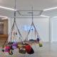 (hinten) Grief Hope 2020, Neon; Courtesy of the artist, Capitain Petzel Berlin, Andrew Kreps Gallery New York, Vielmetter Los Angeles. Foto: Achim Kukulies