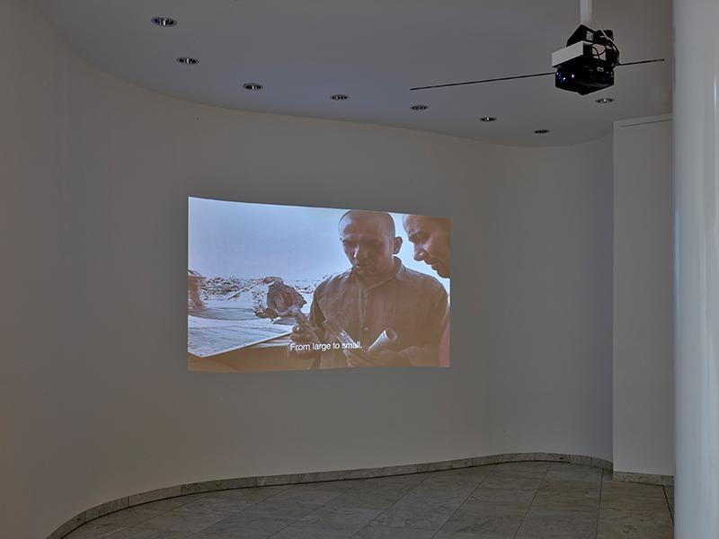Hiwa K, Nazhad and the Bell Project, 2007-2015; courtesy the artist and KOW Berlin, 2021_09, Ausstellungsansicht Museum Abteiberg Foto: Achim Kukulies, 2021