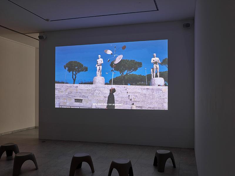 Hiwa K, Pre-Image (Blind as the Mother Tongue), 2017; courtesy the artist and KOW Berlin, 2021_0, Ausstellungsansicht Museum Abteiberg Foto: Achim Kukulies, 2021